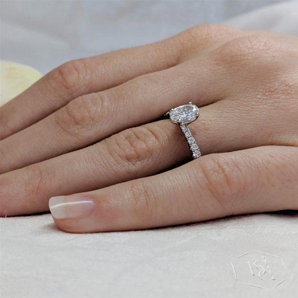 oval cut platinum solitaire diamond band