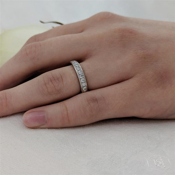 round brilliant cut platinum bridal diamond band