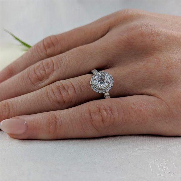 round brilliant cut platinum cluster diamond band